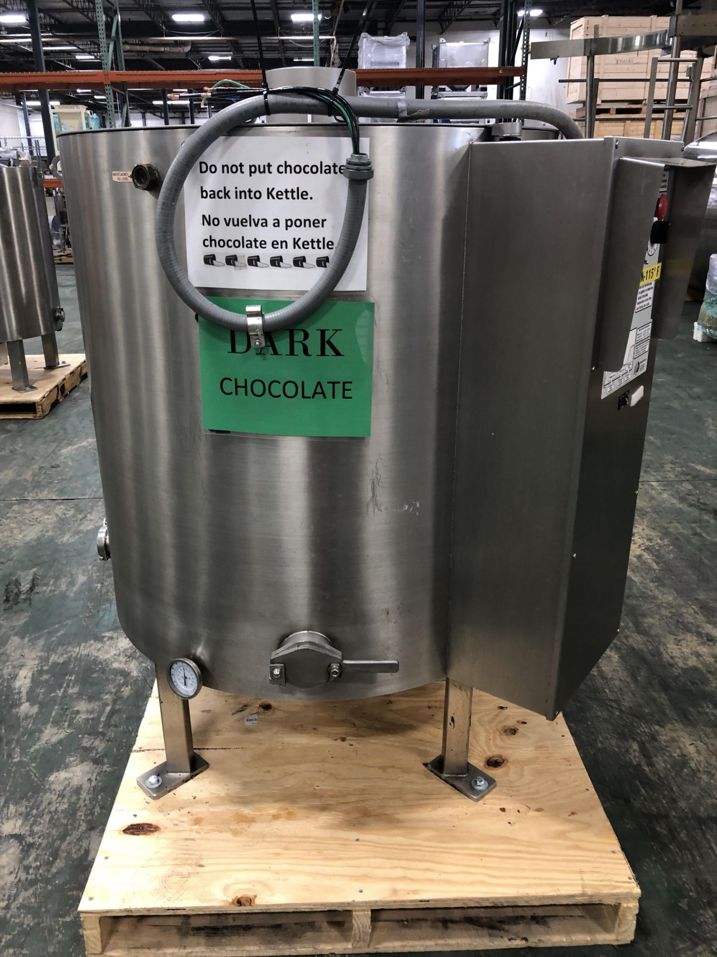 Lot 44 - Savage Stainless Steel 1250-lb Chocolate Melter, model 0974-40