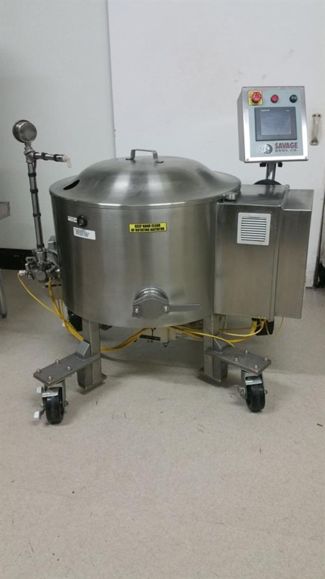 Savage 300-lb Stainless Steel Auto tempering Melter with Metering Pump - All stainless steel - Water
