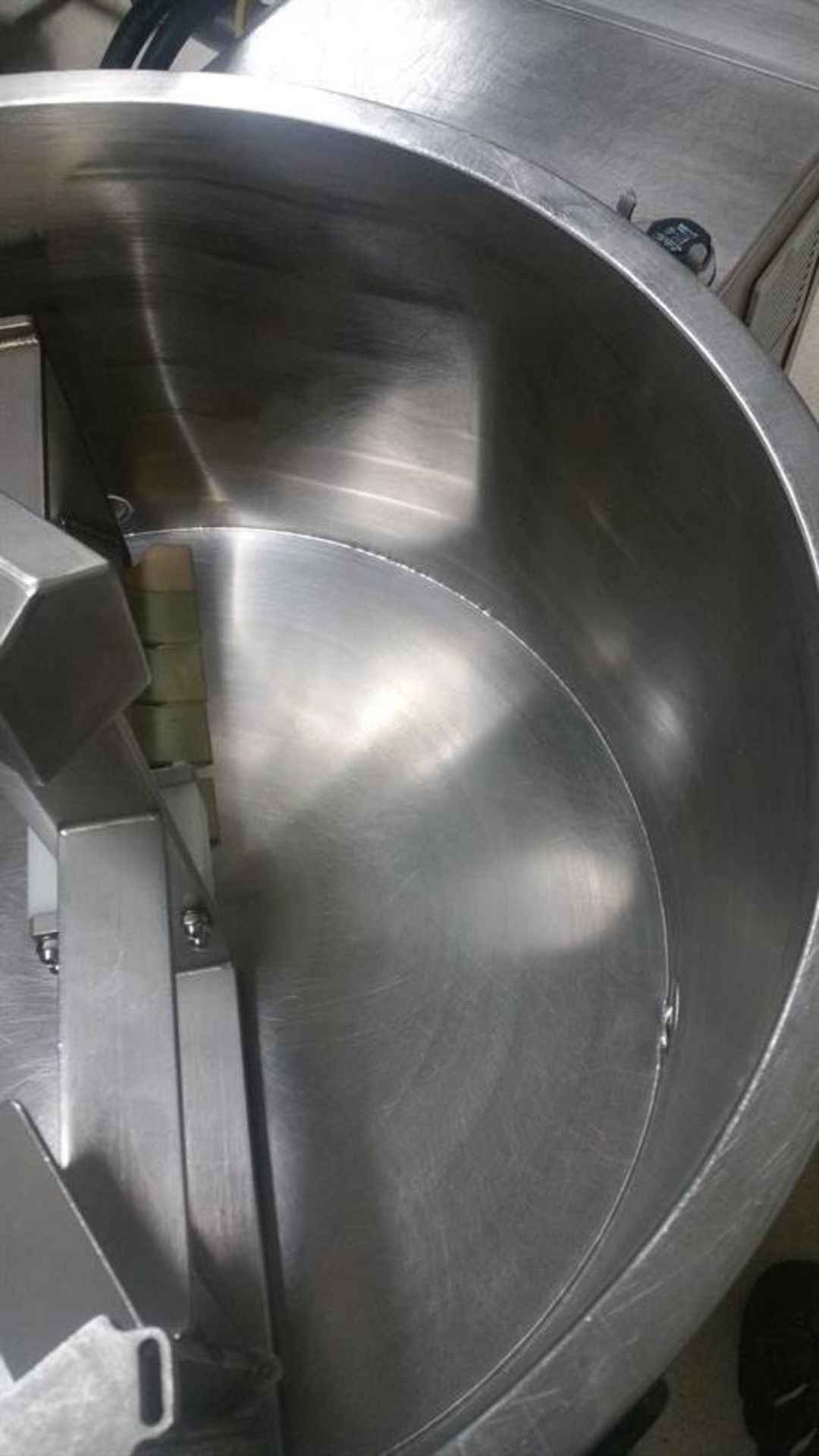 Savage 300-lb Stainless Steel Auto tempering Melter with Metering Pump - All stainless steel - Water - Image 4 of 12