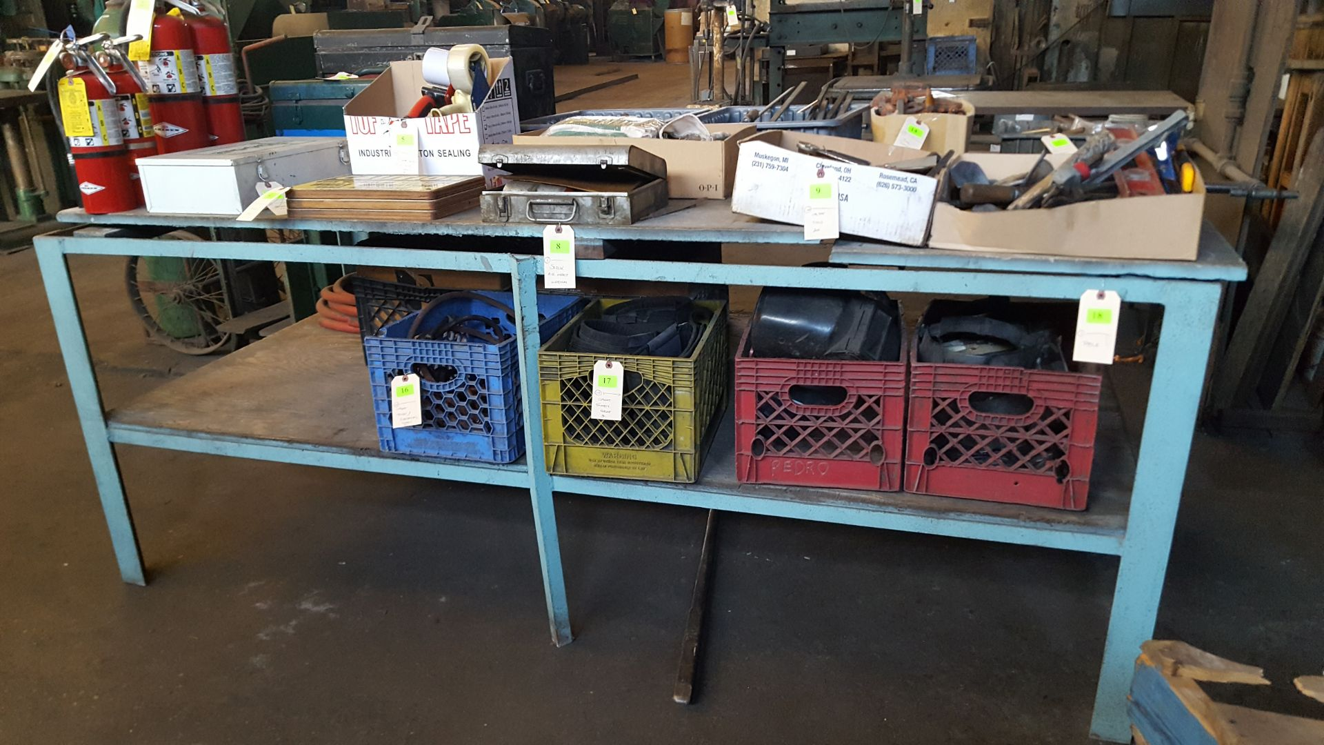 Lot 18 - TABLE