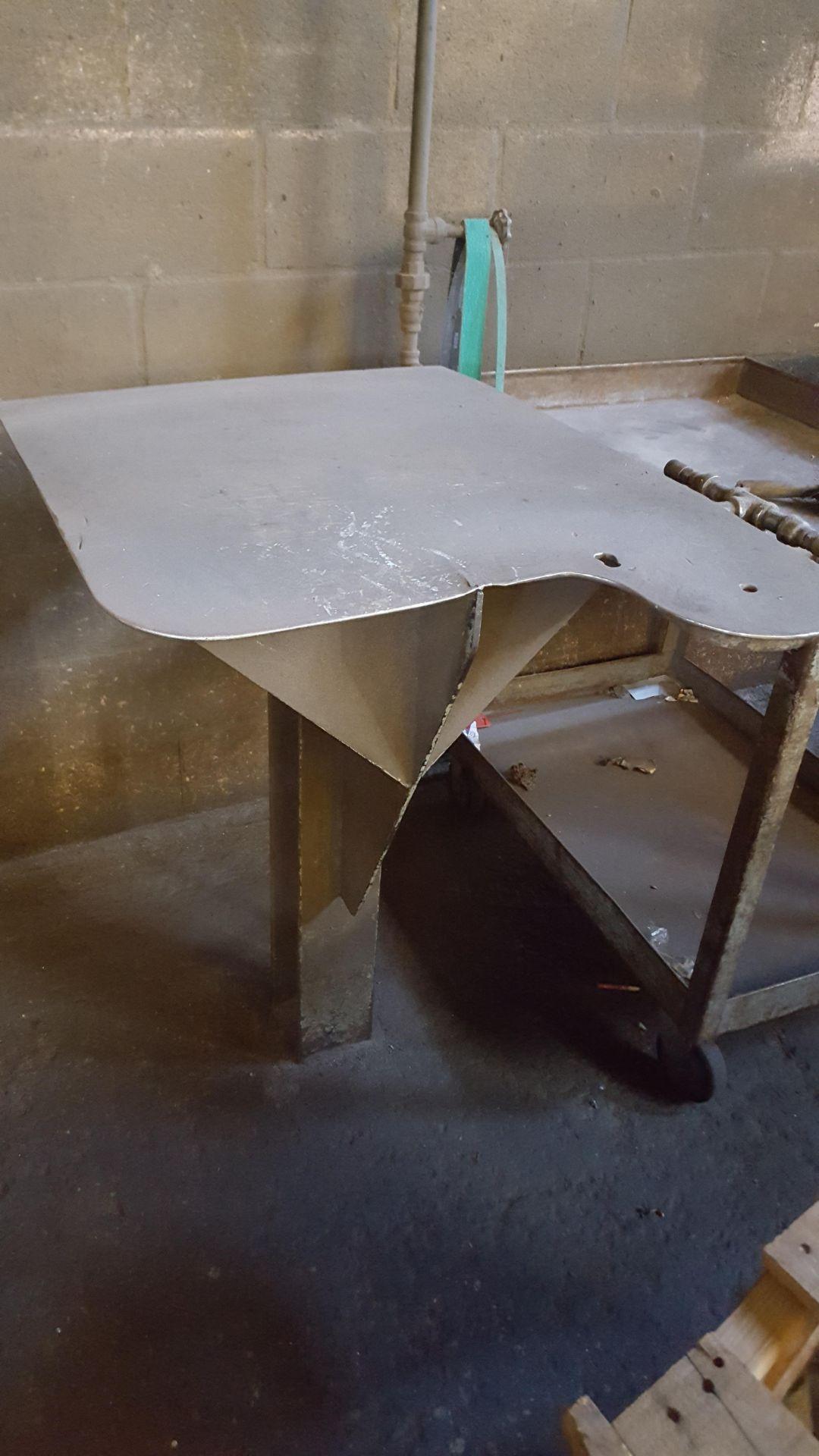 Lot 21 - SORK TABLES