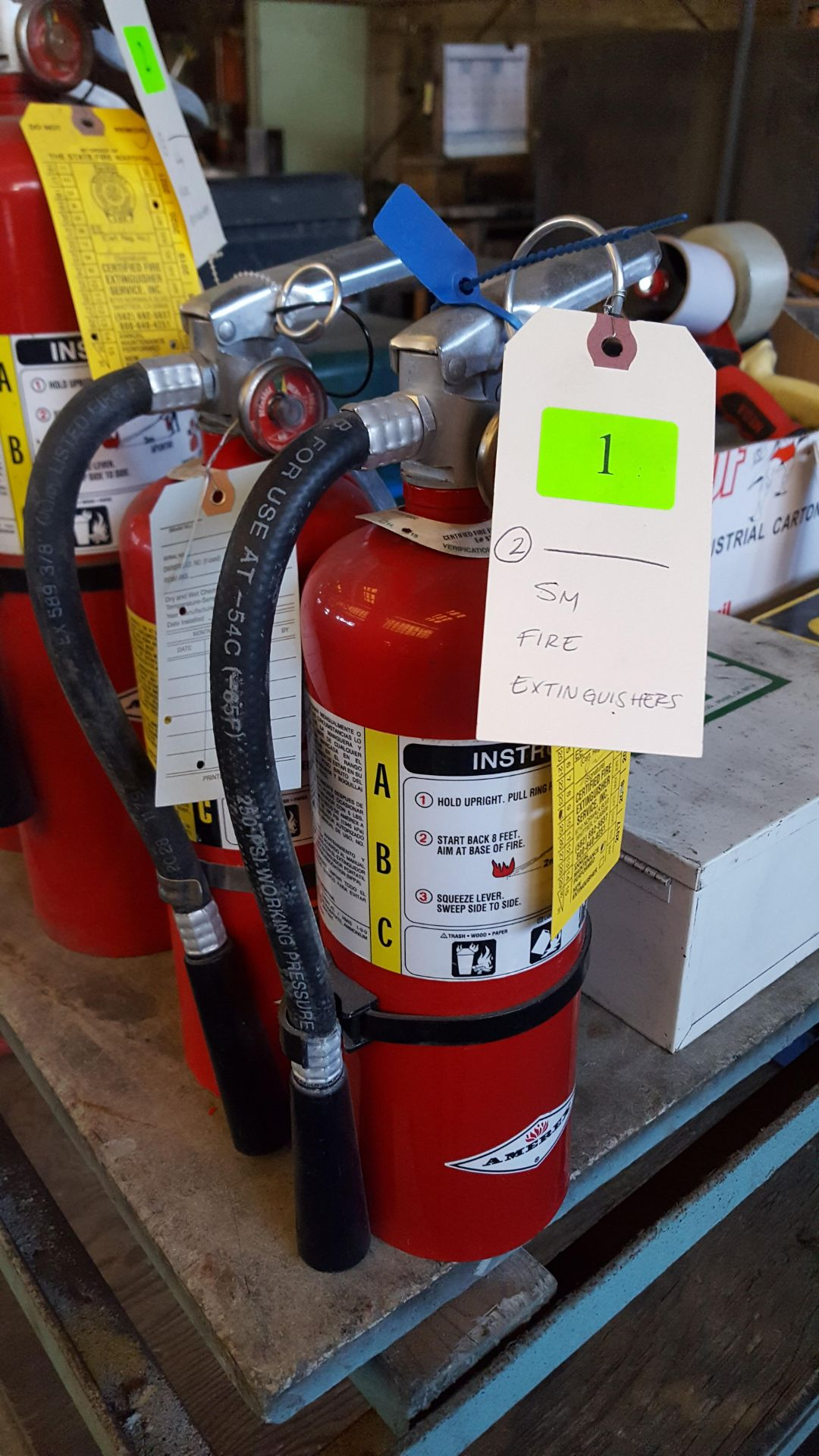 Lot 1 - SMALL FIRE EXTINGUISHERS
