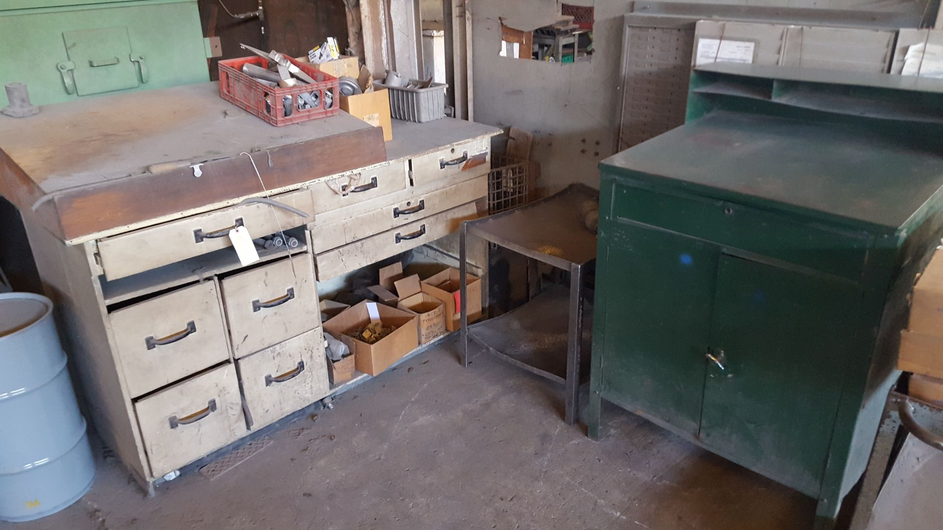 Lot 59 - CABINETS WITH PARTS