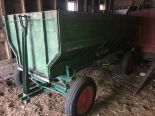 Lot 54 - Oliver Wood Flare Box w/Gear, Good Rubber (repainted)