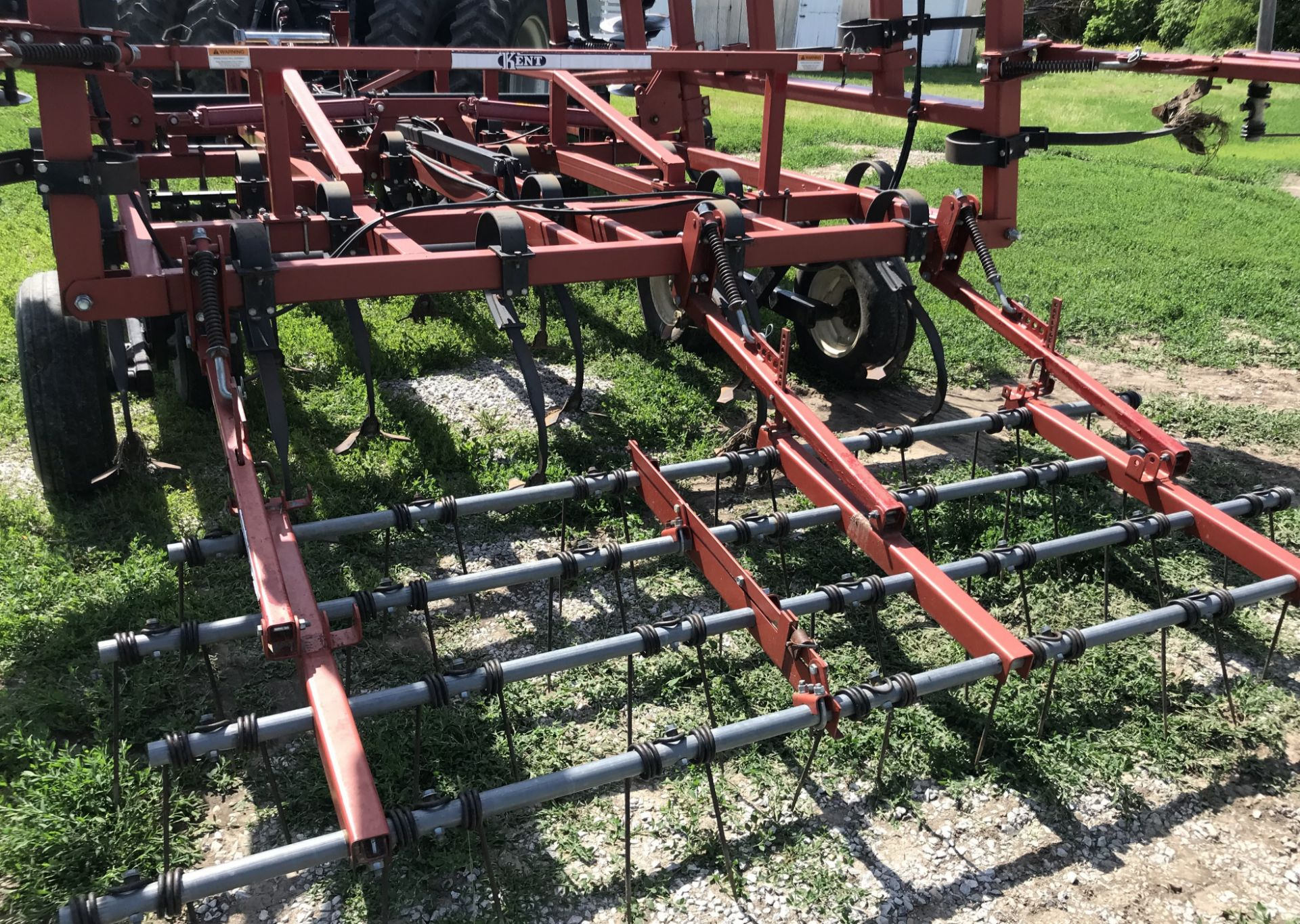 "Lot 37 - Kent Series VI Discovator Mulch Finisher, 20', 8"" Spacing, 19"" Blades, Walking Tandems on main"