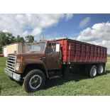"Lot 9 - 1989 International S-1900 Diesel DT466, 5/2spd, 20' Steel Box, 54"" Sides, Air Brakes, Air Tag,"
