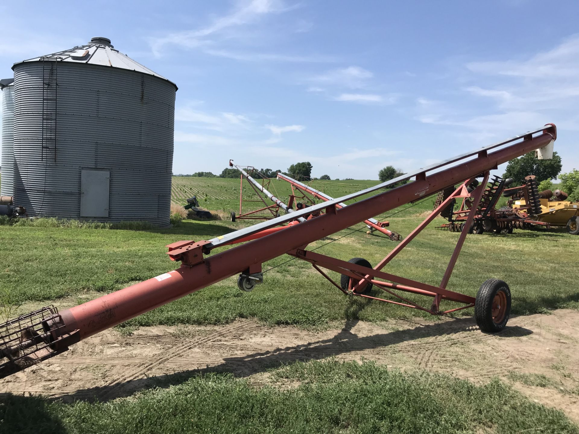 """Lot 45 - Feterl 10""""x30' PTO Auger (nice!)"""