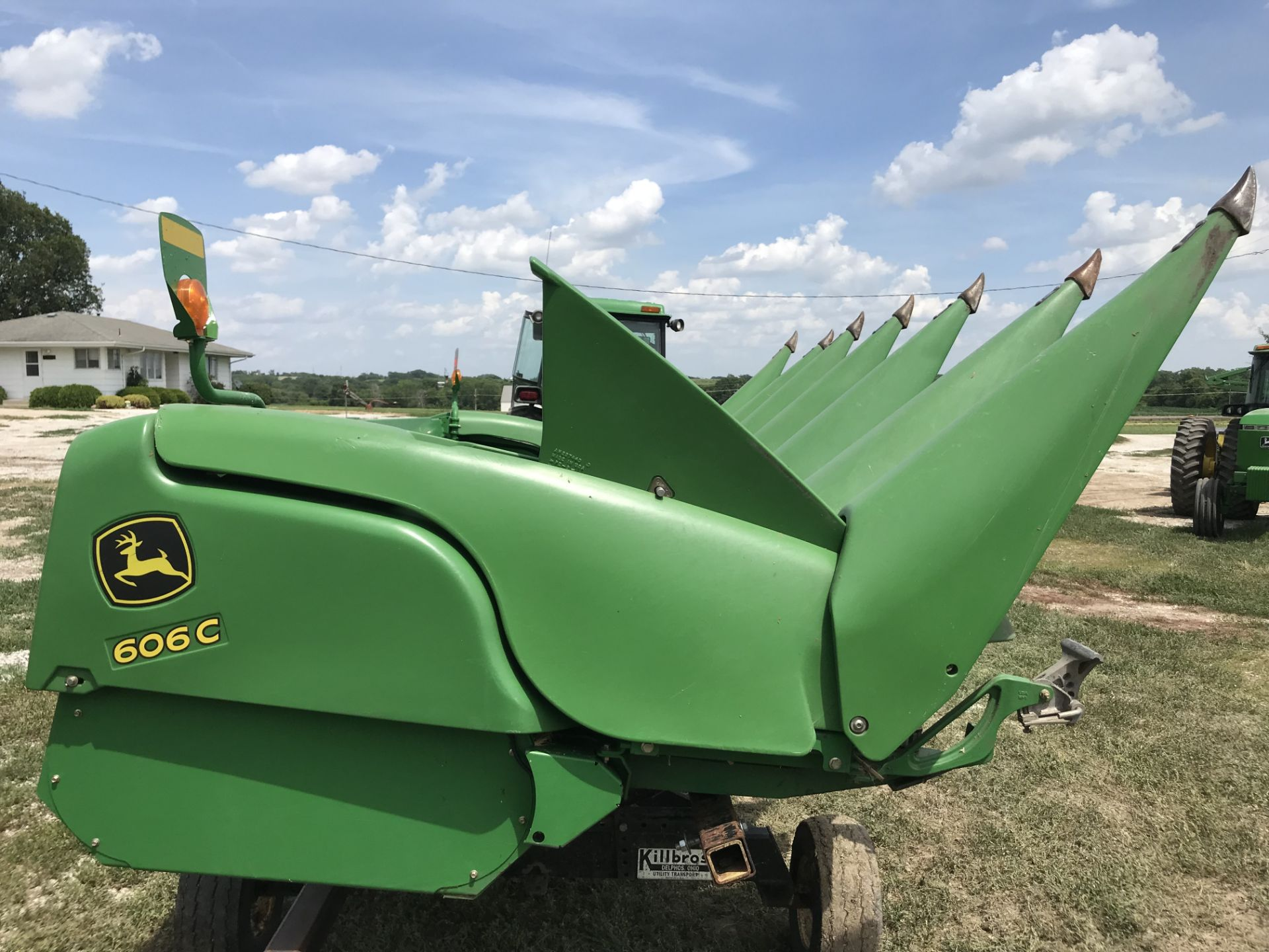 Lot 2 - 2010 JD 606C 6RN Ploy Corn Head, Hyd, Deck Plates, Header Height Sensing, Single Point Hook-up,