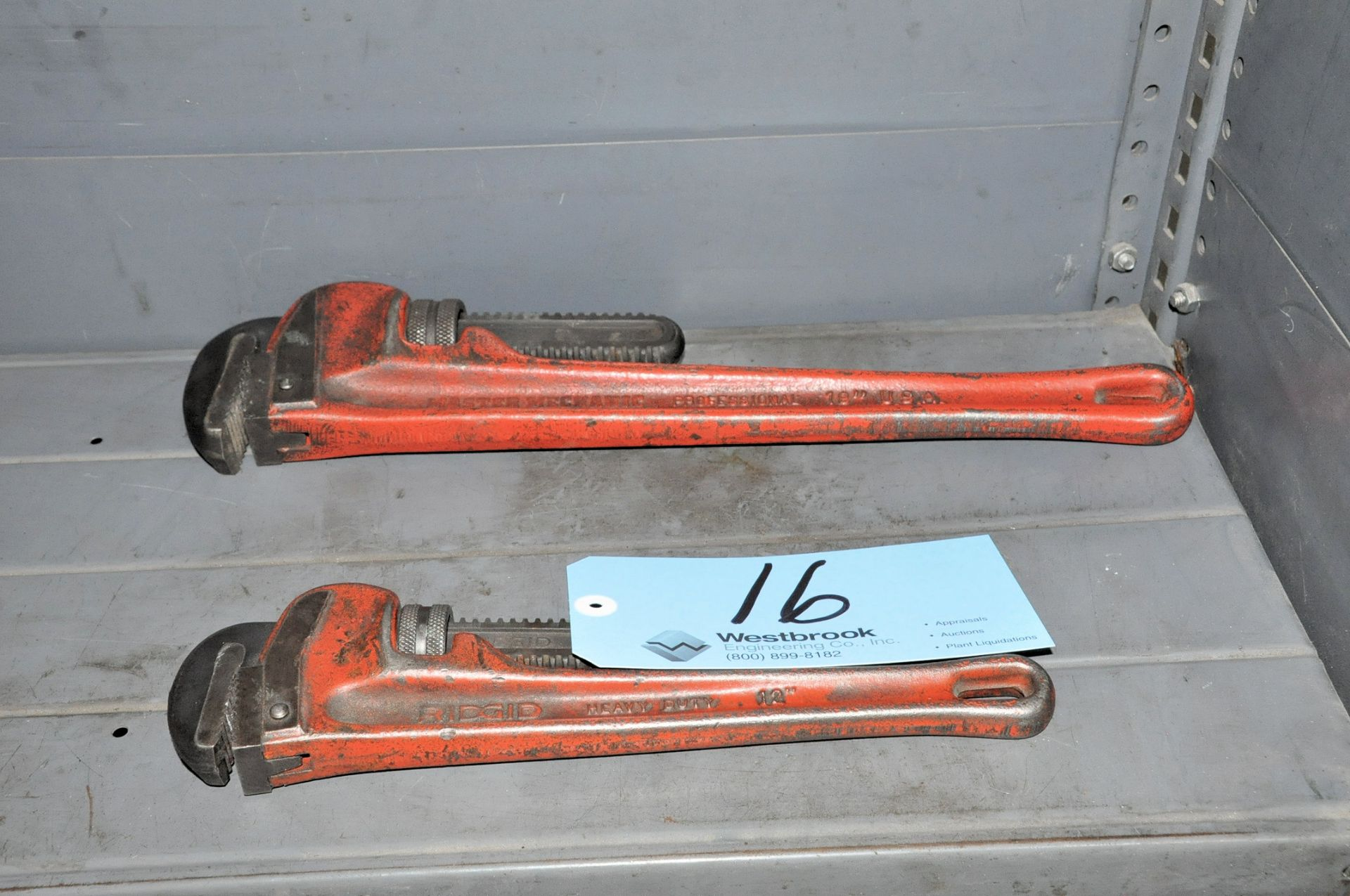 """Lot 16 - MASTER MECHANIC 18"""" Pipe Wrench with RIDGE 12"""" Pipe"""