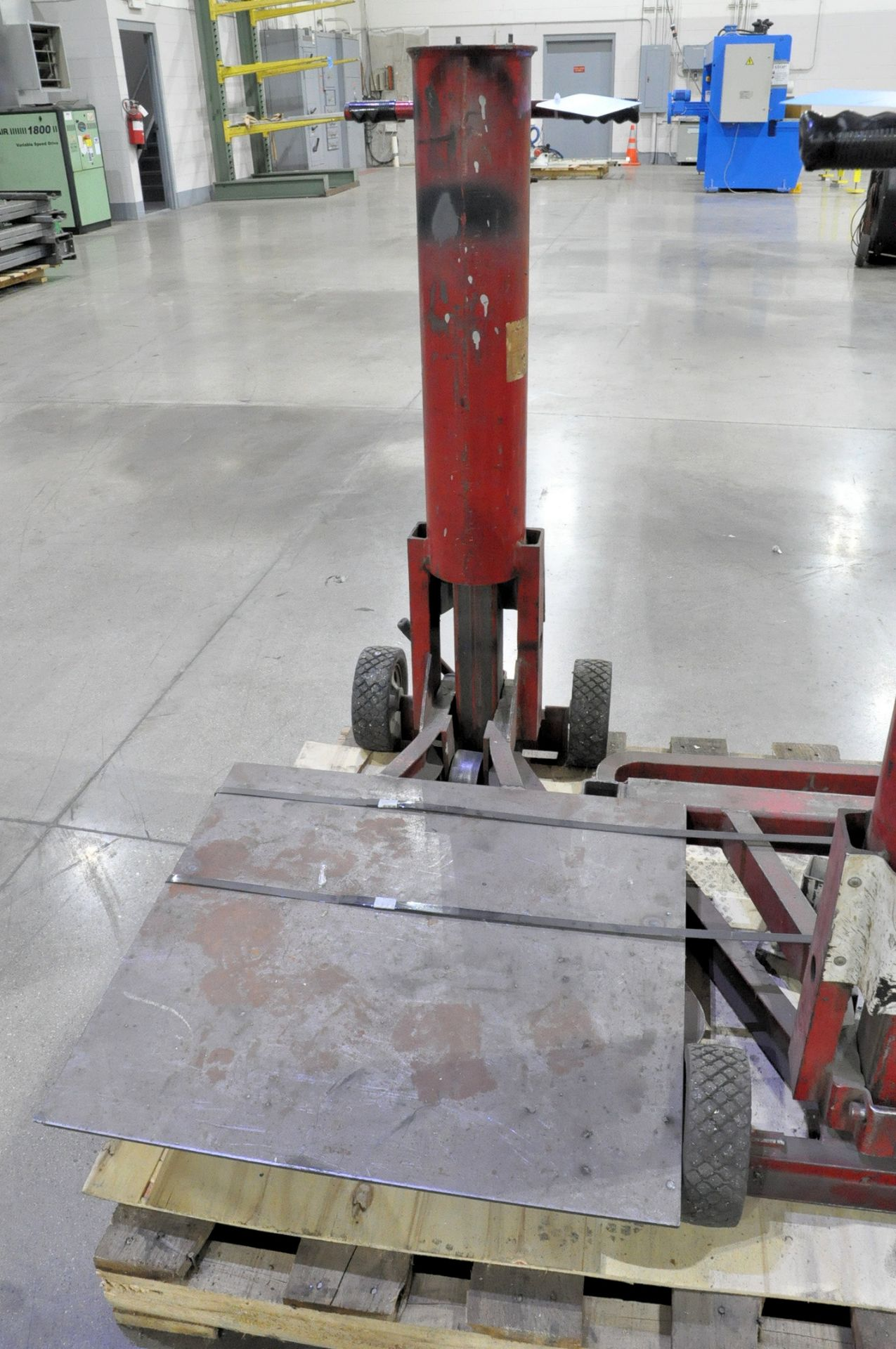 Fox 4,000-Lbs. Capacity Pneumatic Vertical Lift, Portable