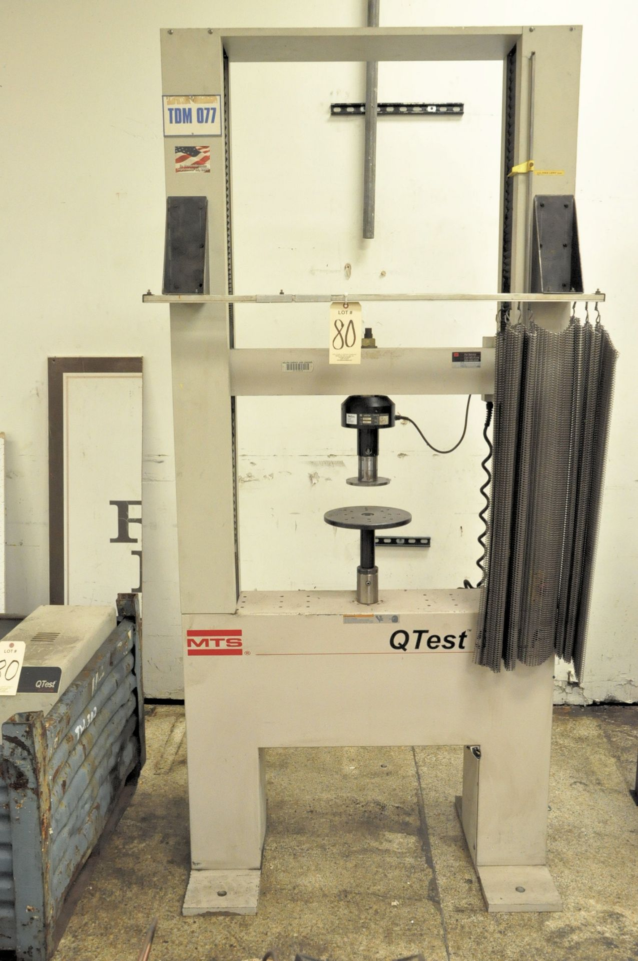 Lot 80 - MTS Qtest 50 LP, Vertical Tensile Tester with Qtest Elite Controller