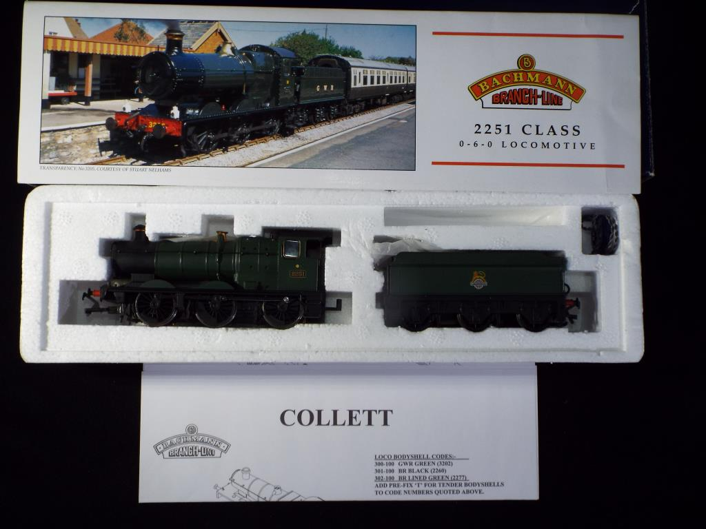 Lot 34 - Bachmann - A boxed OO Gauge No.32-303 Class 2251 Collett Goods 0-6-0 Steam Locomotive and Tender.