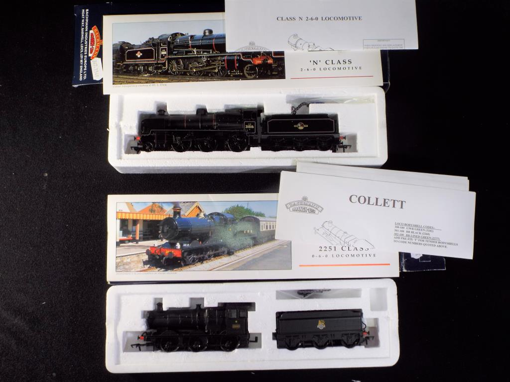Lot 26 - Bachmann -Two boxed OO Gauge Steam Locomotives and Tenders. Lot includes, N Class 2-6-0 Op.No.