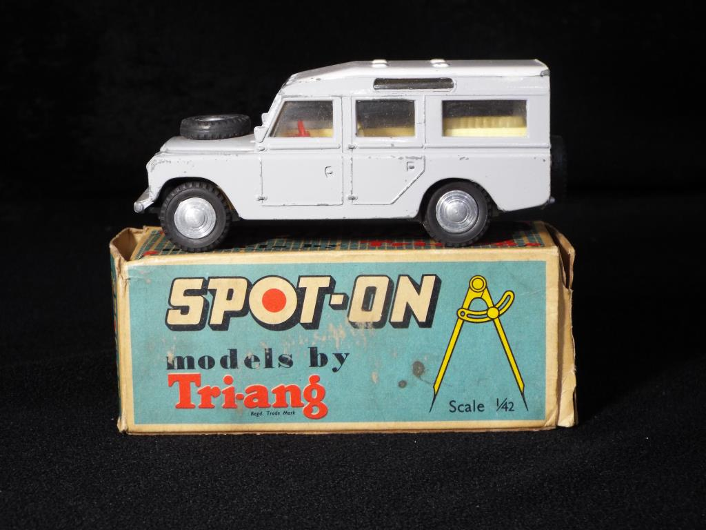 Lot 21 - Triang Spot-On - A boxed Triang Spot-On 161 LWB Land Rover.