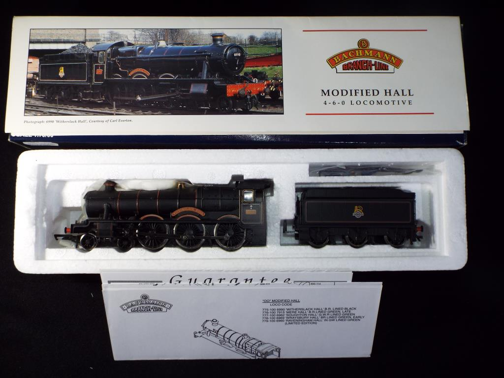 Lot 41 - Bachmann - A boxed OO Gauge No.31-775 Modified Hall 4-6-0 Steam Locomotive and Tender. Op.No.