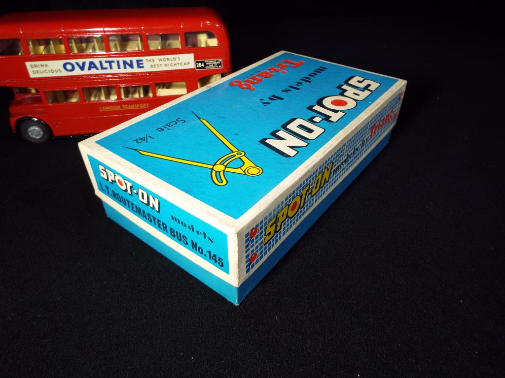 Lot 22 - Triang Spot-On - A boxed Triang Spot-On 145 London Transport Routemaster Bus.