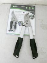 Lot 23 - A new piece garden shear set