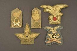 Insignes de coiffures d'officier de l'armée royale italienneBrodés de fils d'or. Comprenant un
