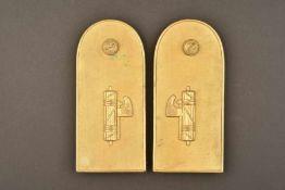 Contre-épaulettes de grande tenue pour officier subalterne de la MVSNAu modèle 34/35, en métal doré,