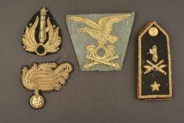 Ensemble d'insignes de la MVSNComprenant une Épaulette seule d'officier supérieur de l'artillerie de