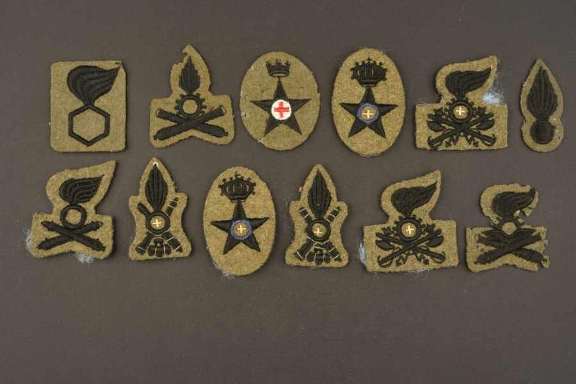Insignes de spécialité de l'armée royale italienneDouze insignes de modèles différents. Il s'agit