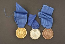 Médailles de la Valeur Militaire italienneTrois médailles, dites pour drapeau. Comportant un