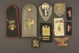 Ensemble de passementerie de l'Italie fascisteComprenant une épaulette seule de la 2ème Division
