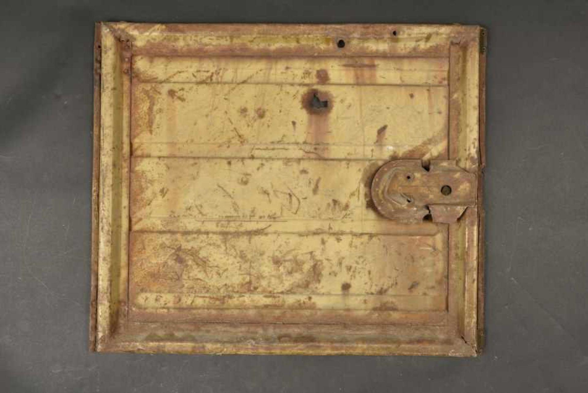 Portière de Kubelwagen camouflé avec des impacts, provenant de Bayeux. Camouflaged Kubelwagen door - Bild 3 aus 4