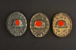 Ensemble d'insignes des blessésComprenant un insigne des blessés or, complet mais fortement abîmé.