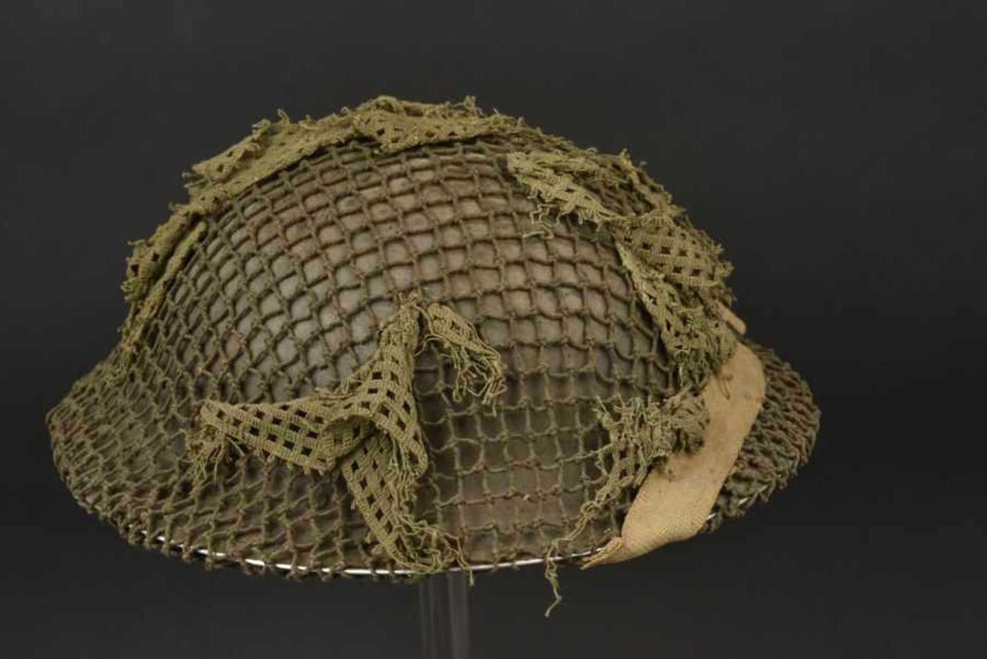 Casque canadien avec filet de camouflage monté d'origine Canadian helmet bearing its original - Bild 4 aus 4