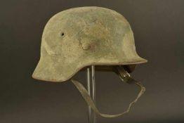 Casque camouflé intouché de la HeerCoque de casque modèle 40, fabrication ET 68, numéro de lot
