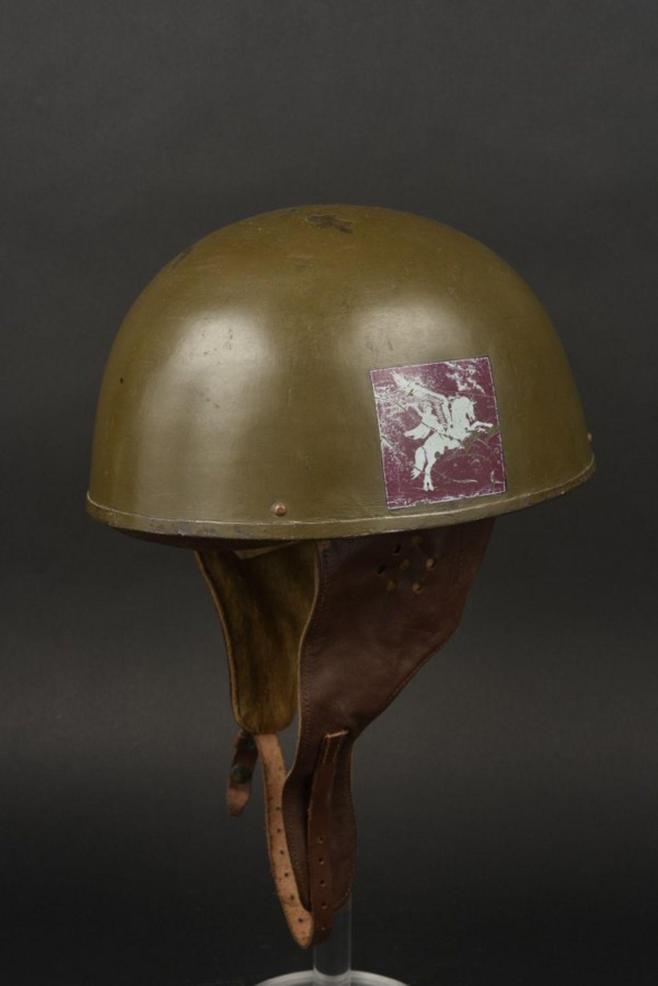 Casque de motocycliste de la 6ème Airborne britannique. Motorcycle helmet of the British 6th