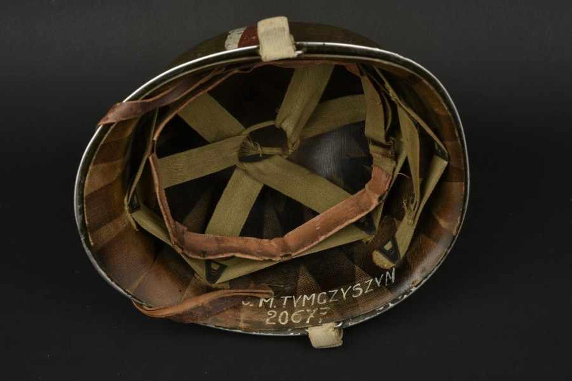 Casque d'un soldat américain d'origine polonaise. Helmet of an American soldier of Polish - Bild 3 aus 4
