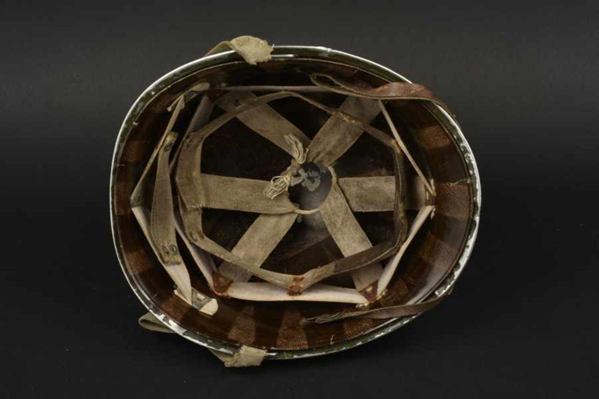 Casque du sergent Prouse de la 29ème DI US. Helmet belonging to Sergeant Prouse of the 29th DI - Bild 4 aus 4