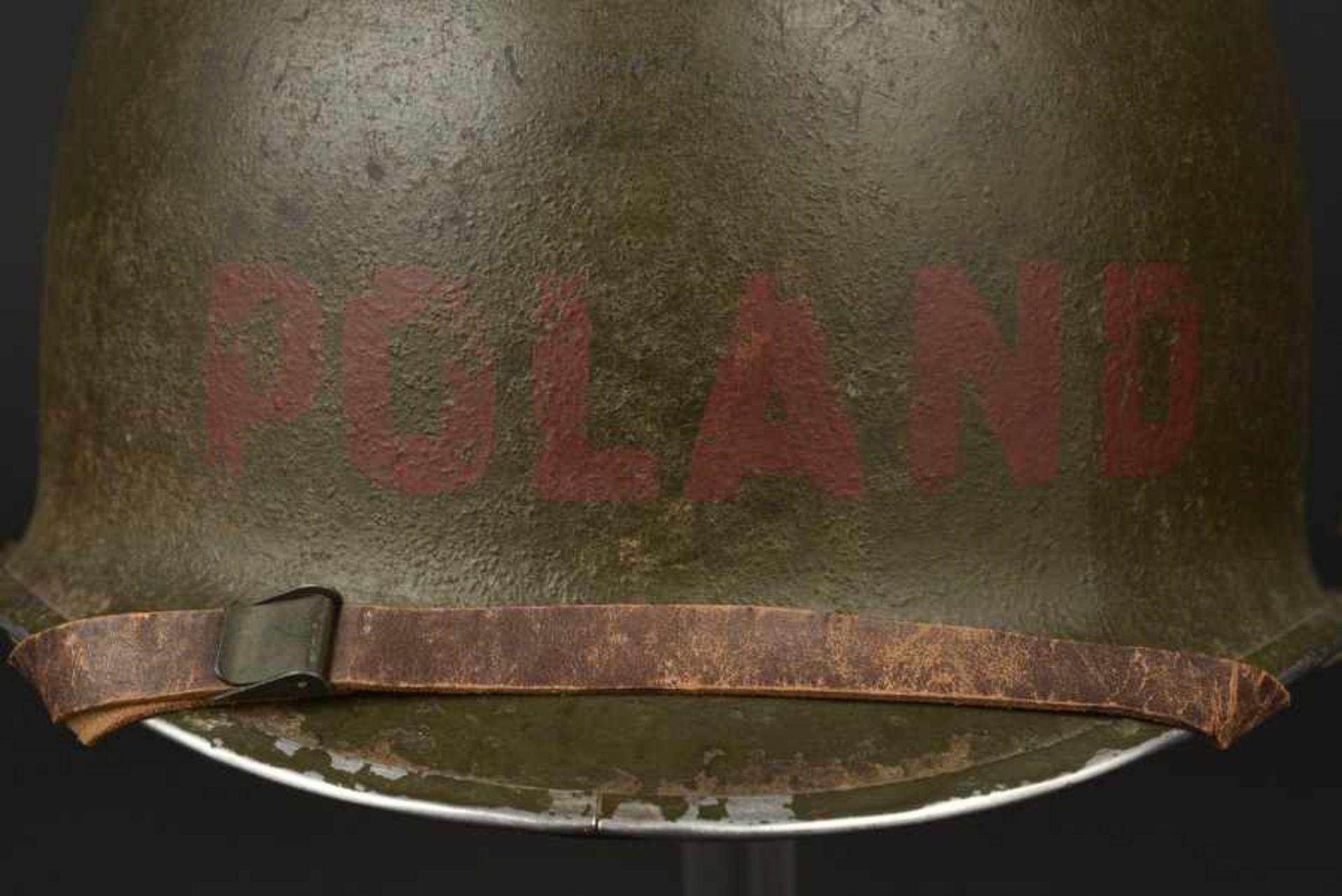 Casque d'un soldat américain d'origine polonaise. Helmet of an American soldier of Polish - Bild 2 aus 4