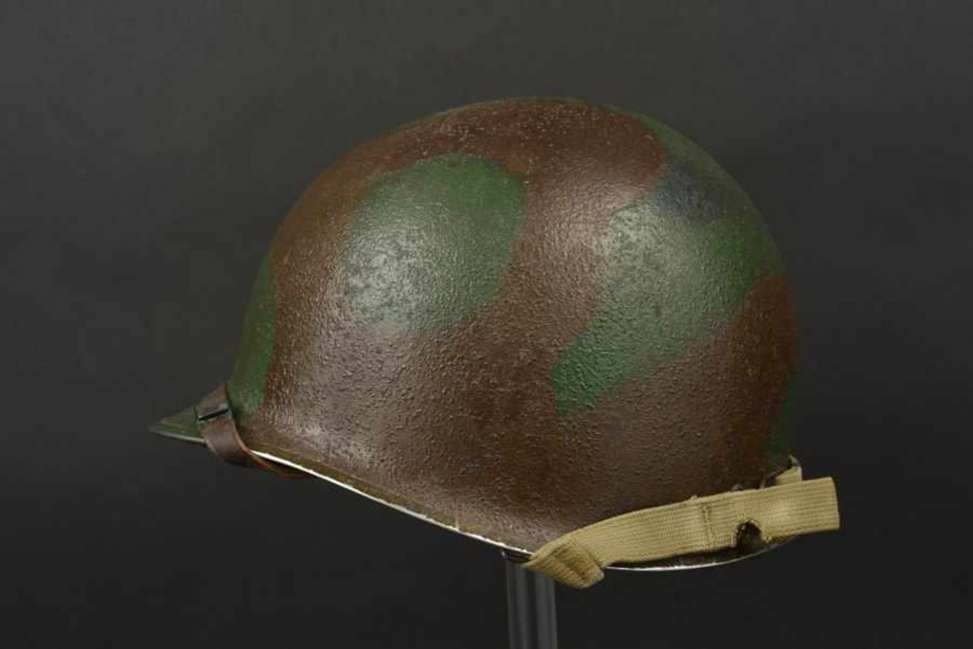 Casque camouflé d'un capitaine de la 2ème DB française. Camouflaged helmet of a Captain of the 2nd - Bild 4 aus 4