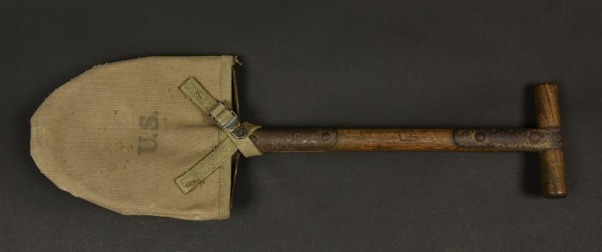 Pelle de l'infirmier parachutiste Jack Truman. Shovel belonging to paratrooper medic Jack - Bild 2 aus 4