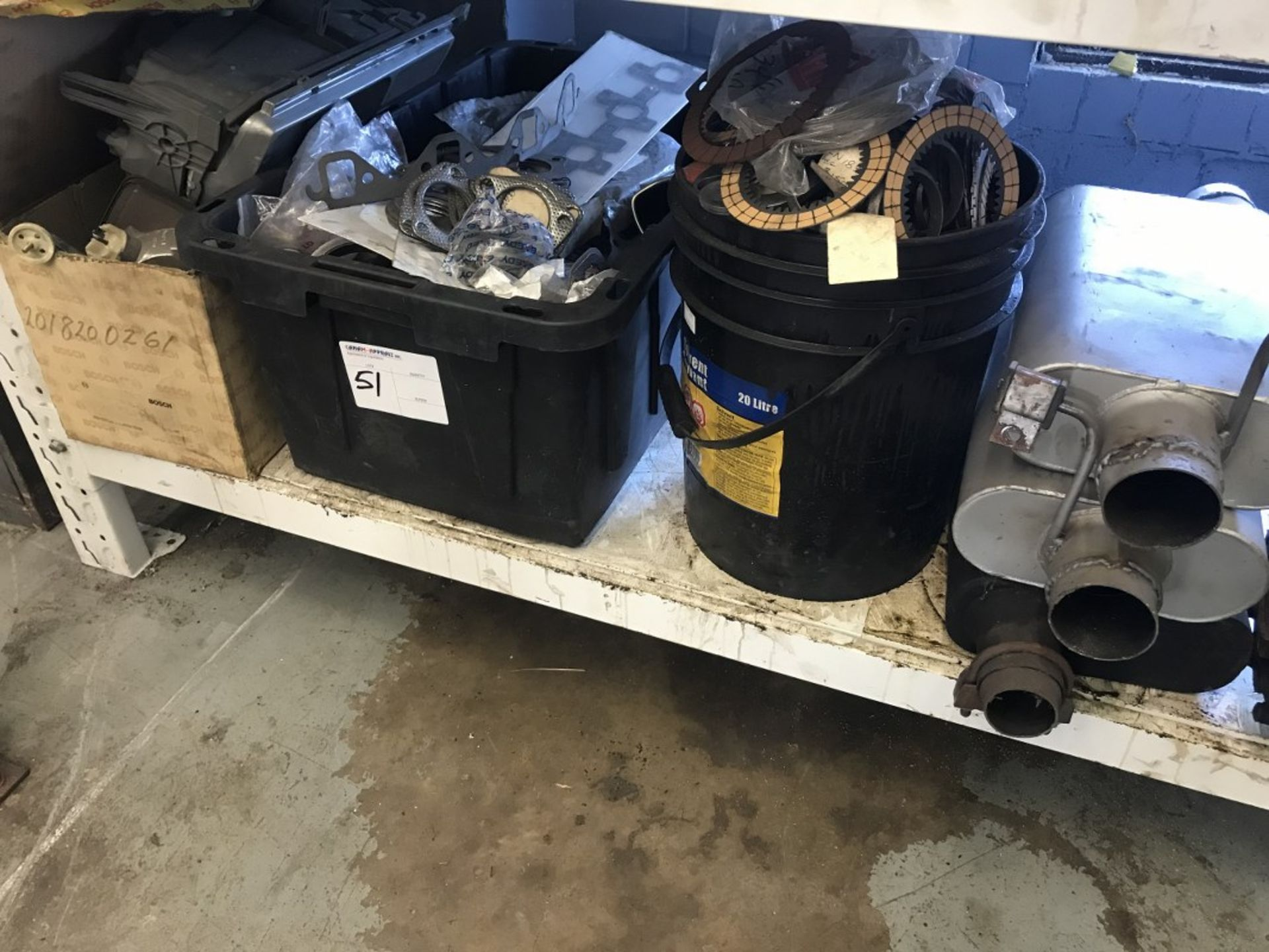 Lot 51 - LOT OF ASSORTED PARTS & ACCESSORIES
