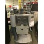 Lot 59 - ZUMMO - AUTOMATIC CITRUS JUICER. MODEL # Z14C