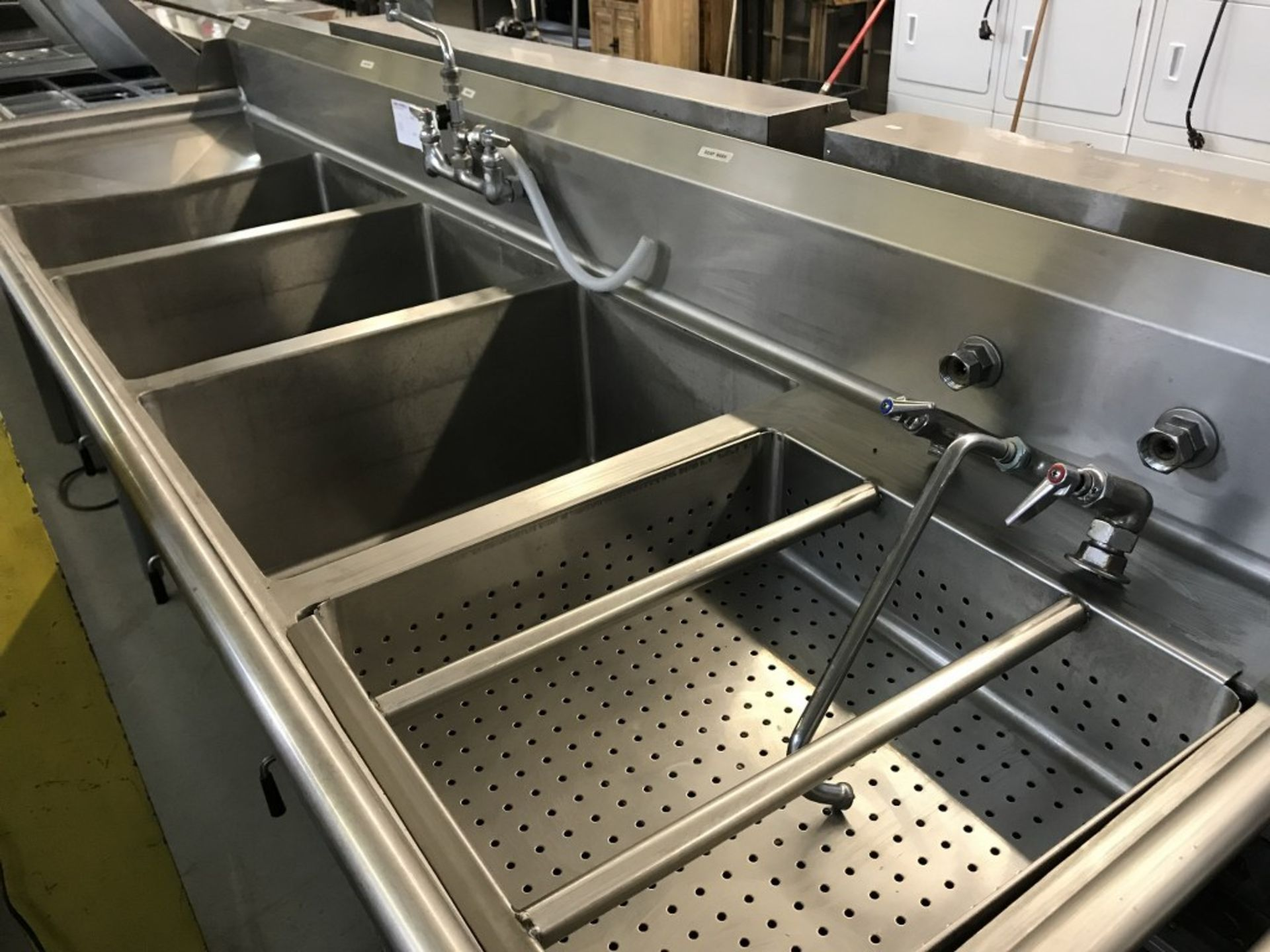 "Lot 11 - 3 WELL - STAINLESS STEEL WASH SINK. 106""L X 30""W X 43.5""H"