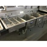 """Lot 12 - 3 WELL - STAINLESS STEEL WASH SINK. 105""""L X 30""""W X 41.5""""H"""