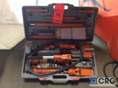 4 ton portable puller body repair set with case(LOCATED INDUSTRIAL COURT INSIDE)