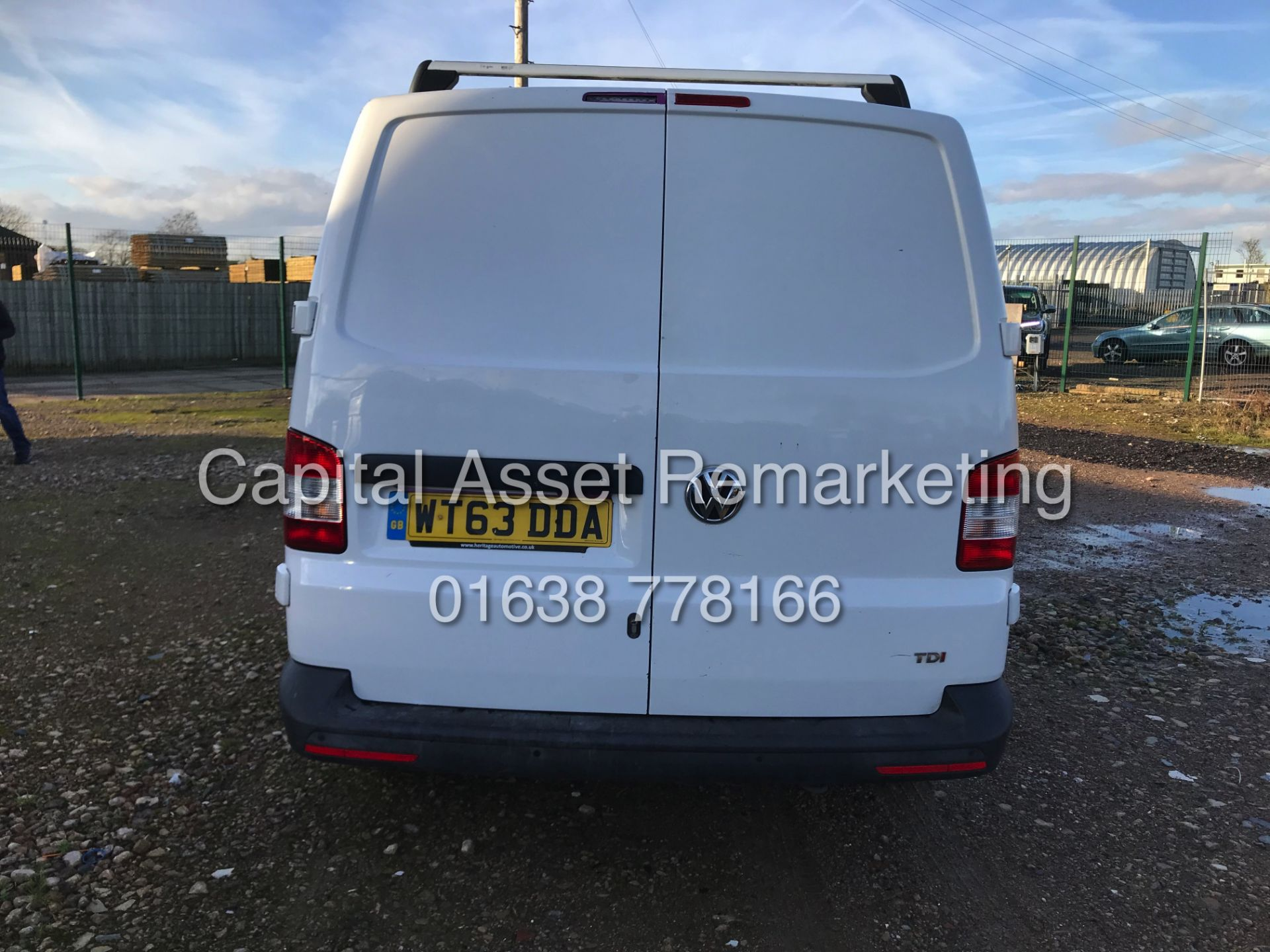 """Lot 4 - ON SALE VOLKSWAGEN TRANSPORTER 2.0TDI """"140BHP-6 SPEED"""" 1 OWNER FSH (2014 YEAR) AIR CON - ELEC PACK"""