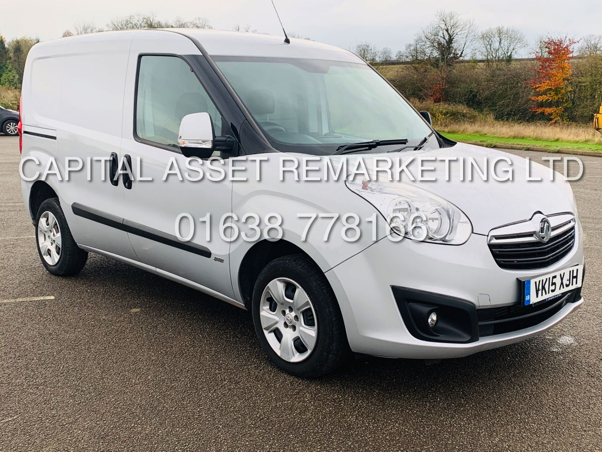 Lot 15 - (On Sale) VAUXHALL COMBO 2000 CDTI *SPORTIVE* SWB - PANEL VAN (2015 - NEW MODEL) *AIR CON* (1 OWNER)