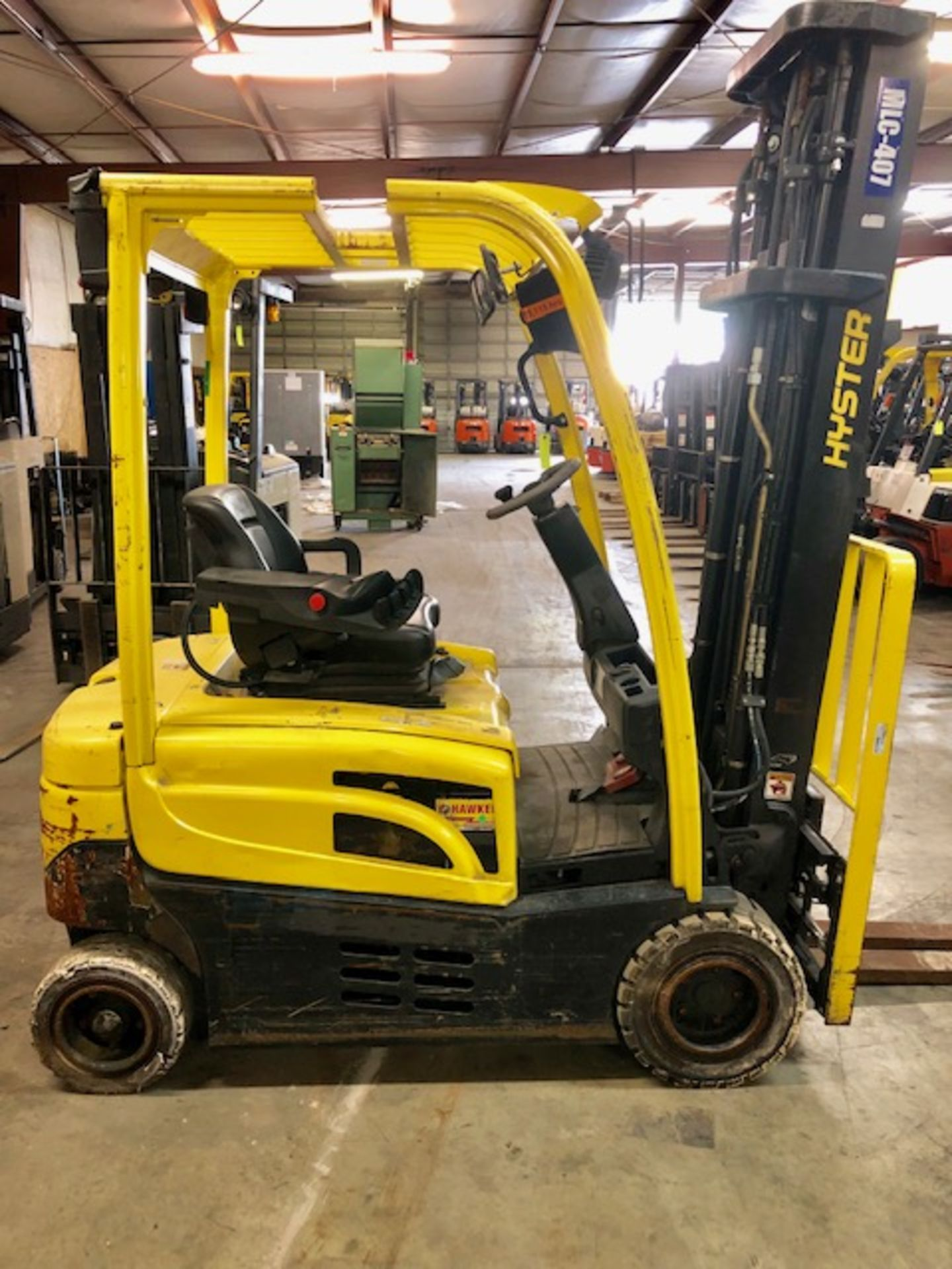 Lot 14 - Hyster forkliftJ40XN w/48V battery
