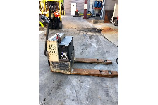 Crown Electric Pallet Jack 40 GPW 4 12 Forklift S N W58055