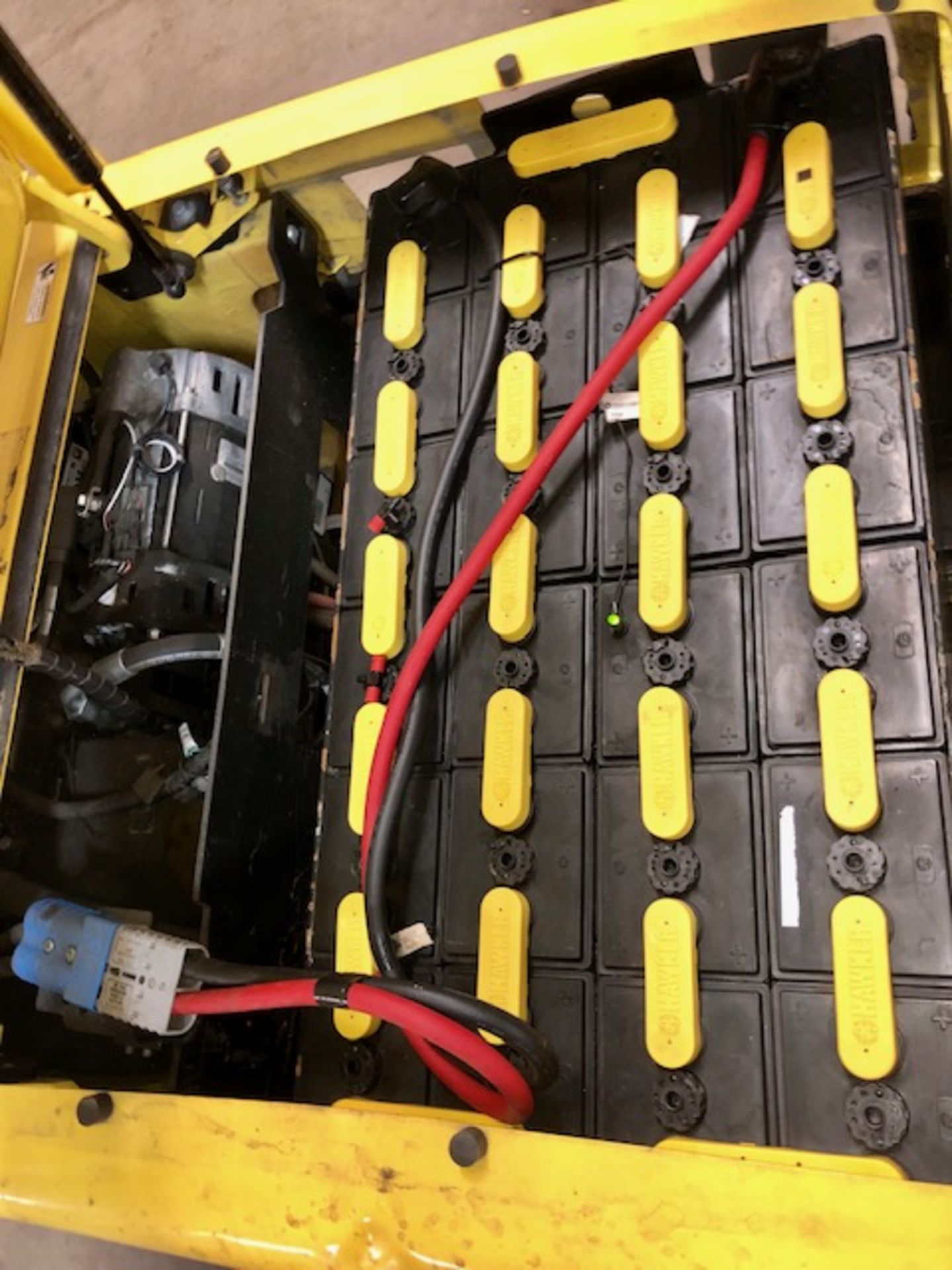 Lot 9 - Hyster forklift J40XN w/48V battery