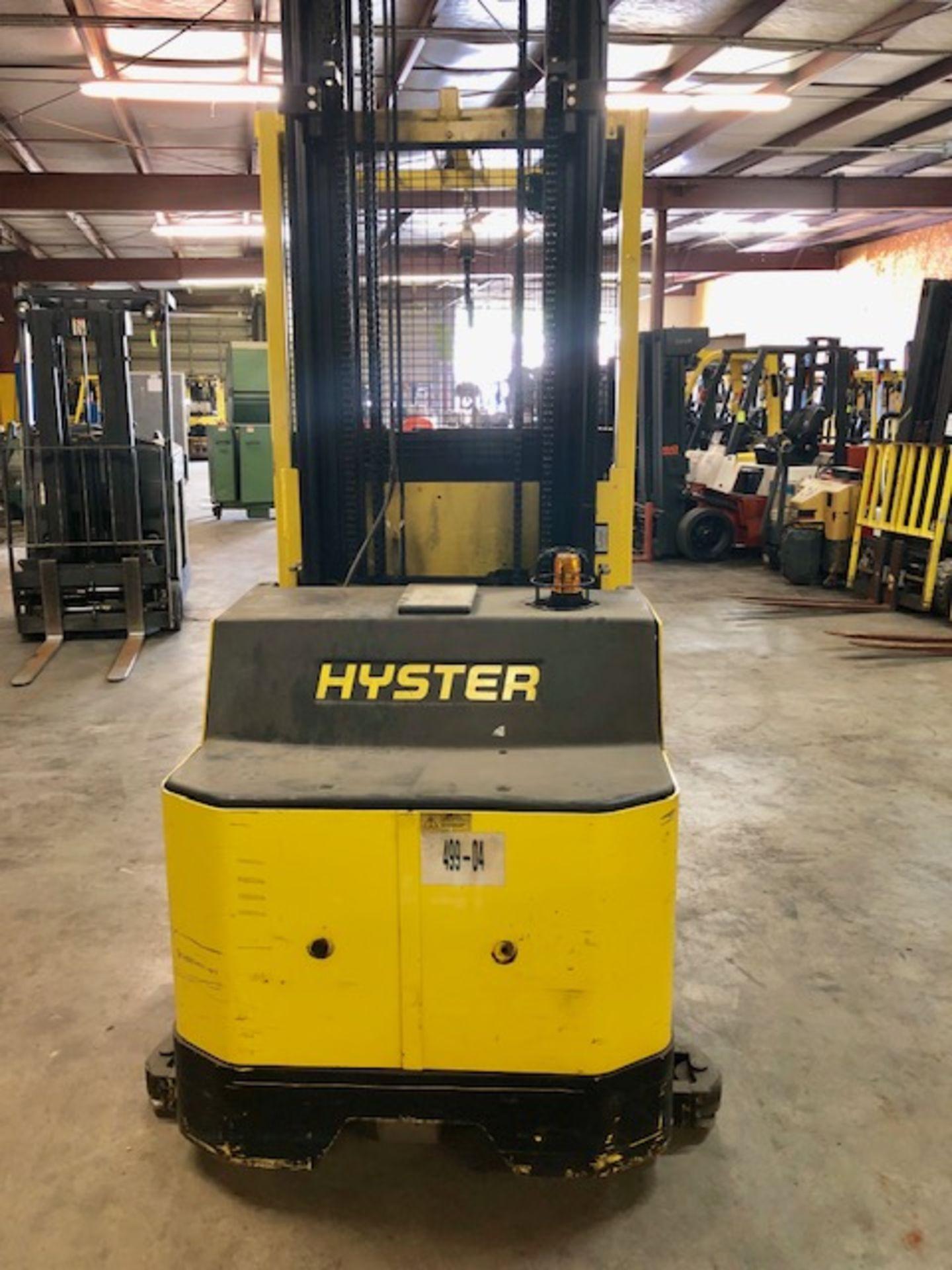 Lot 1 - Hyster forklift R30XM52 w/24V battery