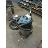 Lot 320 - Workzone industrial vacuum Model NTS 305