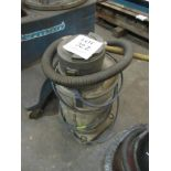 Lot 322 - King 30 industrial vacuum